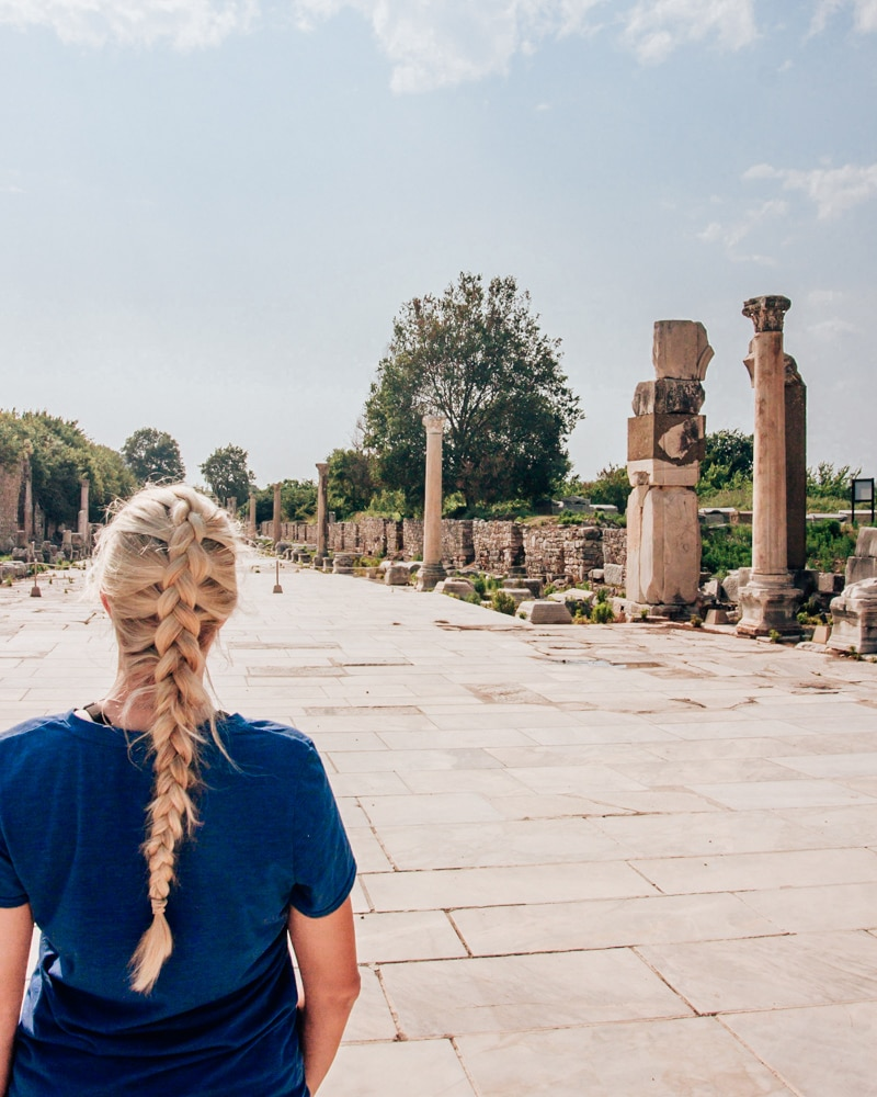 Exploring the ancient city of Ephesus. Find a full one day itinerary with everything you need to know about visiting the ancient ruins of Ephesus in Turkey here.