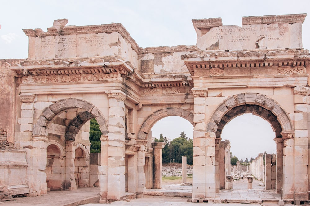 The area around the Library of Celsus in Ephesus is just as impressive as the ruins itself. Find a full one day itinerary with everything you need to know about visiting the ancient ruins of Ephesus in Turkey here.