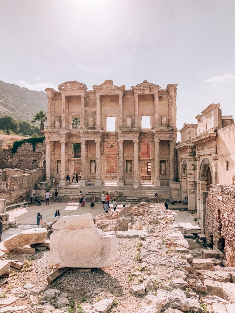 The Library of Celsus about an hour and a half before closing. Find a full one day itinerary with everything you need to know about visiting the ancient ruins of Ephesus in Turkey here.